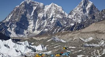 Your 2016 Guide to Everest: A Cheat Sheet
